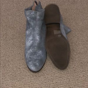 e4c49f73672 Grey suede lucky brand booties